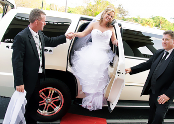 Why Hire a Limo For Your Wedding?